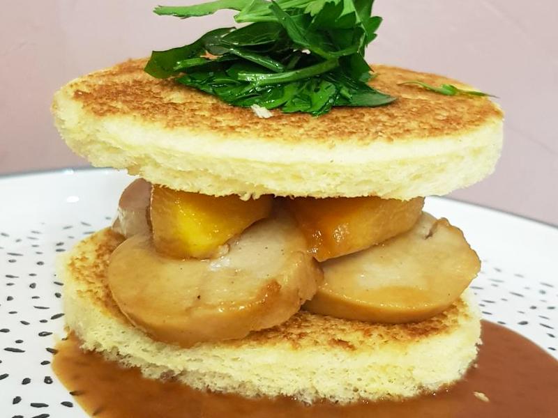 toast-entrée-sauce-assiette